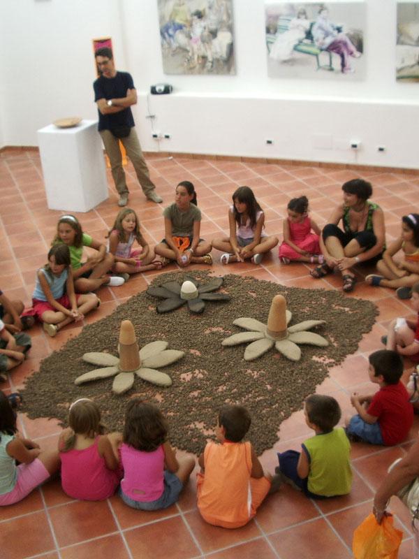 Laboratori d'arte estivi per bambini e ragazzi. Pittura, argilla e ceramica