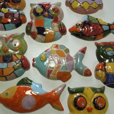 Animali in ceramica decorati dai bambini invitati alla festa di compleanno
