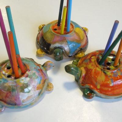Portamatite in ceramica realizzato nelle feste di compleanno per bambini da ArtiBus a Vasto