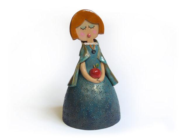 Campanella da favola, Biancaneve in ceramica realizzata a mano dal Laboratorio ArtiBus di Vasto