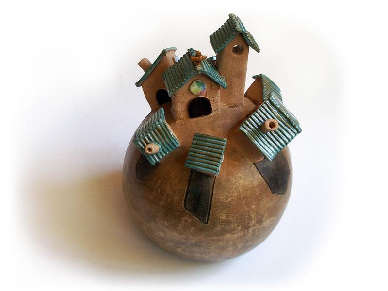 Campanella in ceramica a sfera, la città sul globo terrestre